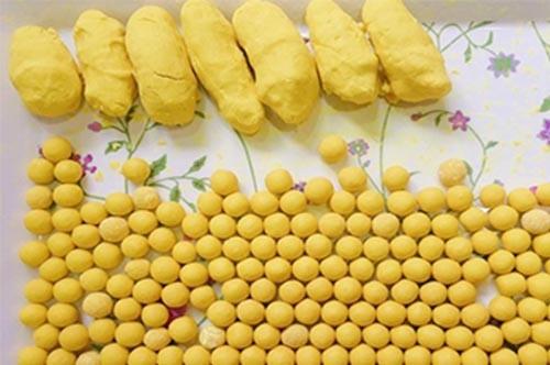 Làm viên tinh bột nghệ với mật ong để uống chữa đau dạ dày