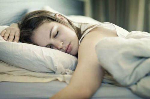say rượu nên đi ngủ