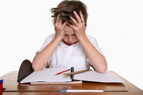 trẻ đau dạ dày do căng thẳng