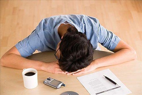 ngủ trưa ngừa đau dạ dày