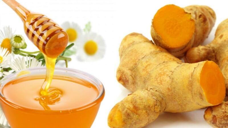 Chữa đau dạ dày tại nhà từ bột nghệ và mật ong