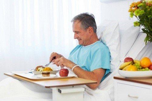 chế độ ăn của người bệnh