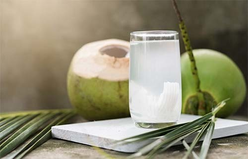 Nước dừa có khả năng chữa đau dạ dày ít ai biết