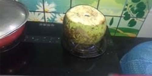 Bài thuốc chữa đau dạ dày với dừa tươi nướng